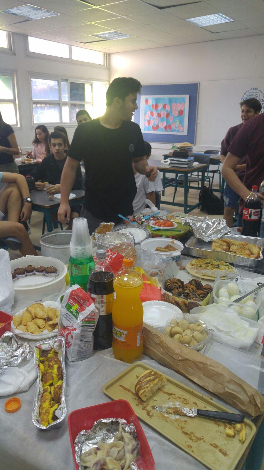 שיעור אזרחות בשבוע העליות - מאכלי עדות